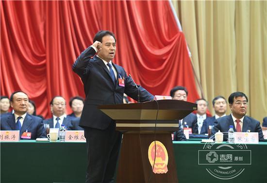 张茗朝以满票入选为通化市监察委员会主任并宣誓 吉网 图