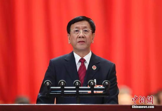 最高人民检察院检察长曹建明作最高人民检察院工作报告。 中新社记者 刘震