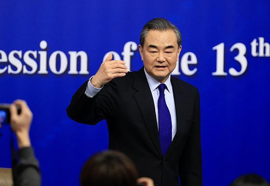 外交部部长王毅出席新闻发布会。澎湃新闻记者 赵昀 图