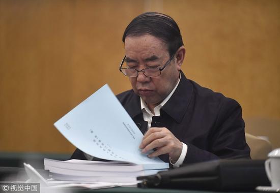 3月8日,全国人大代表贾平凹参加十三届全国人大一次会议陕西代表团会议。 图自视觉中国