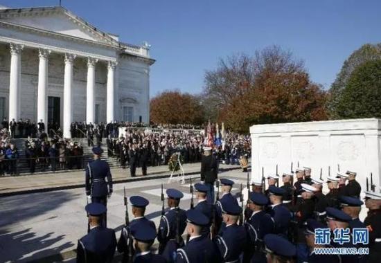 华盛顿举行一年一度的退伍军人日纪念活动。新华社 资料图