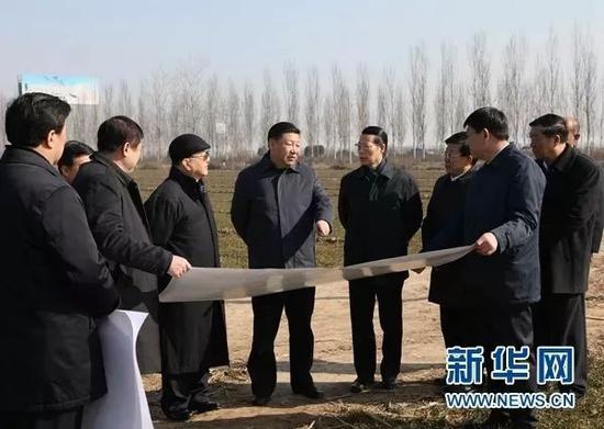 △2017年2月23日,习近平在河北省安新县考察雄安新区规划建设工作。