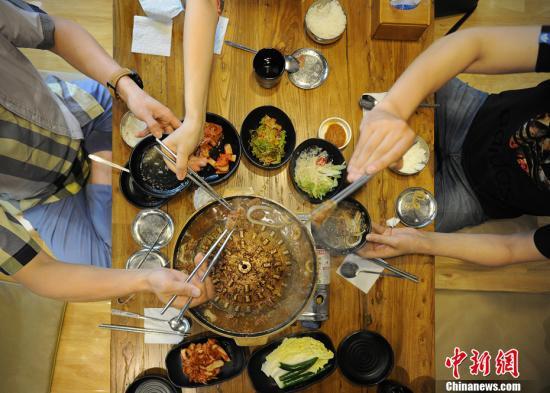 资料图:美食。中新网记者 李霈韵 摄