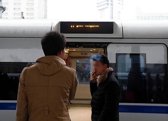 列车长谈类似阻高铁关门隐患:总站自己立场想问题