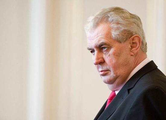 捷克大选结果出炉:现任总统泽曼成功连