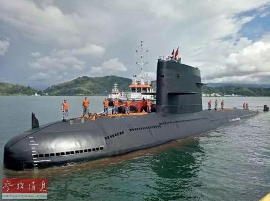▲中国水师潜艇(美国《华尔街日报》网站)