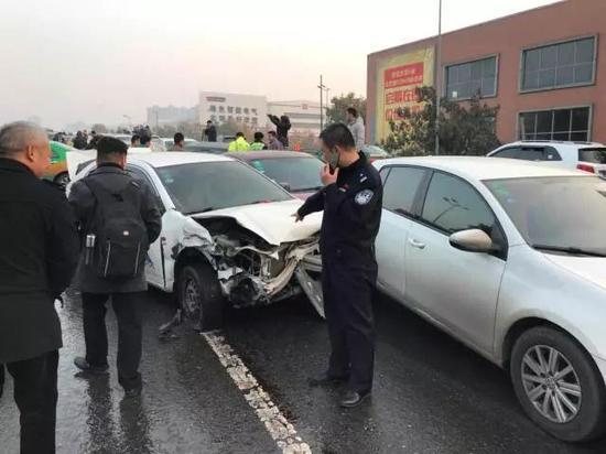 请广大司机开车注意道路状况,确保安全。