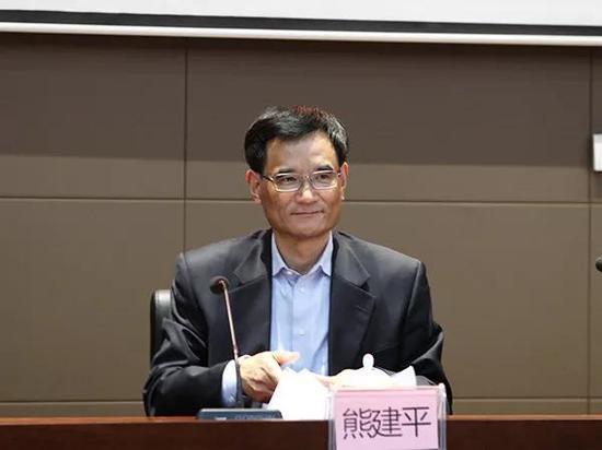 澳门银河官网:曾在两大直辖市工作的浙江常委