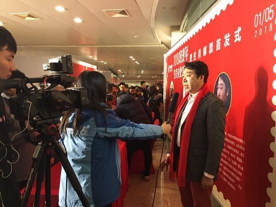 刘中接受媒体采访