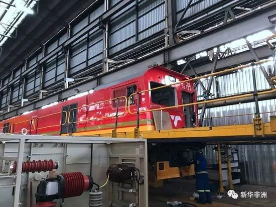 中车在南非工厂生产的电力机车。(项目方供图)