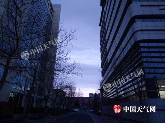 2月20日,北京能见度好转。