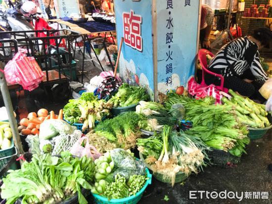"""台湾传统菜市场(图片来源:台湾""""东森新闻云"""")"""