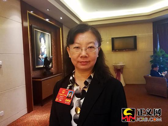 全国人大代表、广西壮族自治区林业生态工程质量监督站站长覃建宁。郑博超 摄