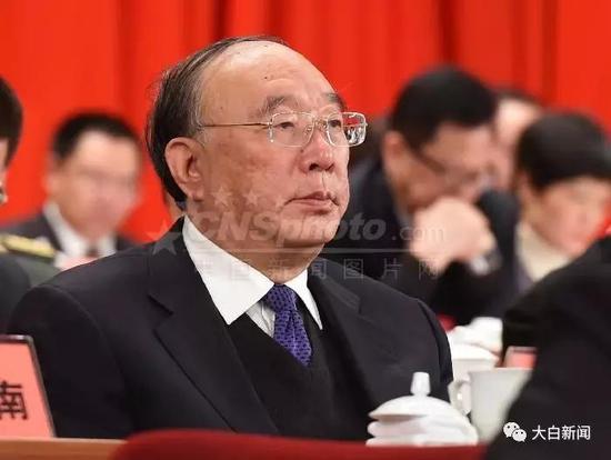 黄奇帆出席重庆市政协五届一次会议开幕式(图/中新社)
