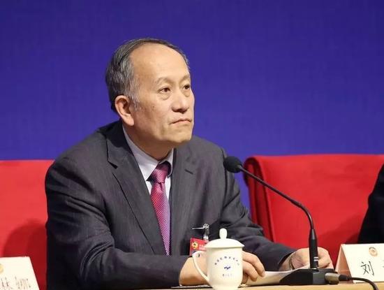 △国务院参事、中央财经大学原税务学院副院长刘桓