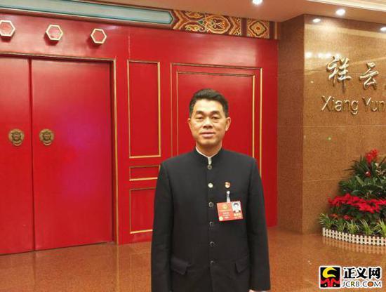 全国人大代表、广东省陆河县河口镇营下村党支部书记李金东。谢文英 摄