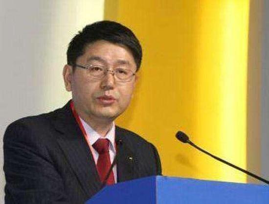 55岁的现任行长彭纯出任交行党委书记。