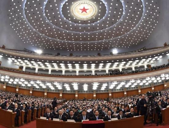 △3月13日,十三届全国人大一次会议在北京人民大会堂举行第四次全体会议。