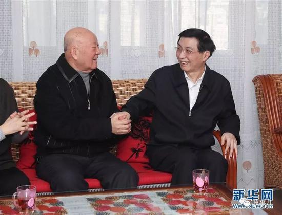 王沪宁在吴雁泽家中