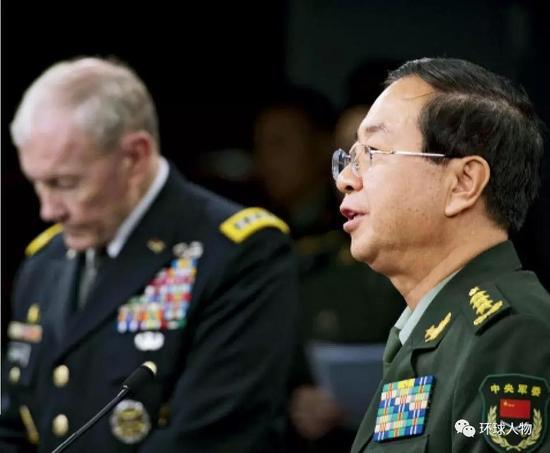 2014年5月,时任中国人民解放军总参谋长房峰辉造访五角大楼,会晤时任美军参谋长联席会议主席邓普西。