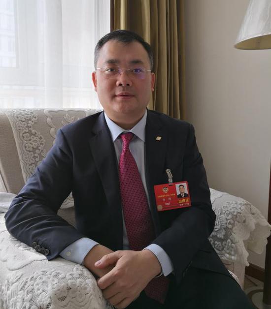 全国政协委员、福耀集团副董事长曹晖。