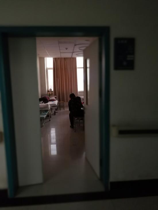 2017年7月11日凌晨,李艳艳在聊城市中医院八楼的病床上遇害。