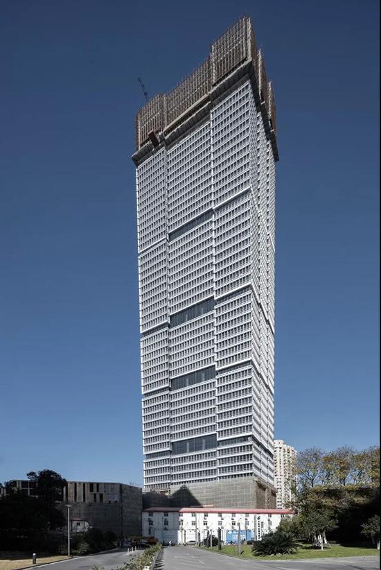 倒梯形的建筑形体设计