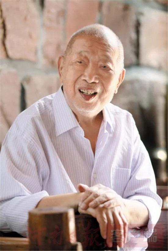 著名书画家陈天然先生 河南日报客户端 图