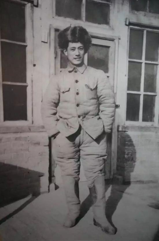 1946年解放战争时期,张沛在东北,时年24岁。