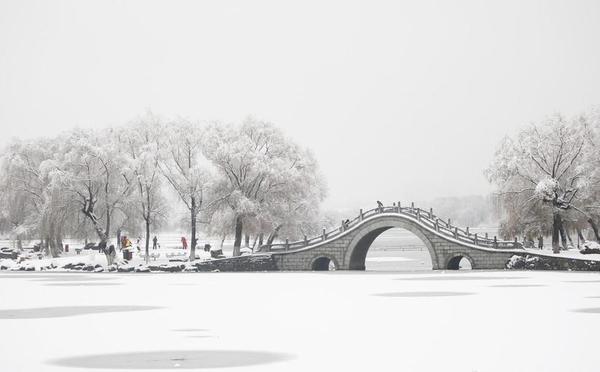华北多地迎来2017入冬第一场雪