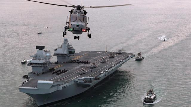 大英帝国要完?英国航母测试舰载机竟凑不够数