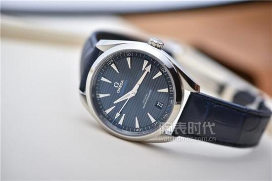 欧米茄海马系列AQUA TERRA 150米腕表