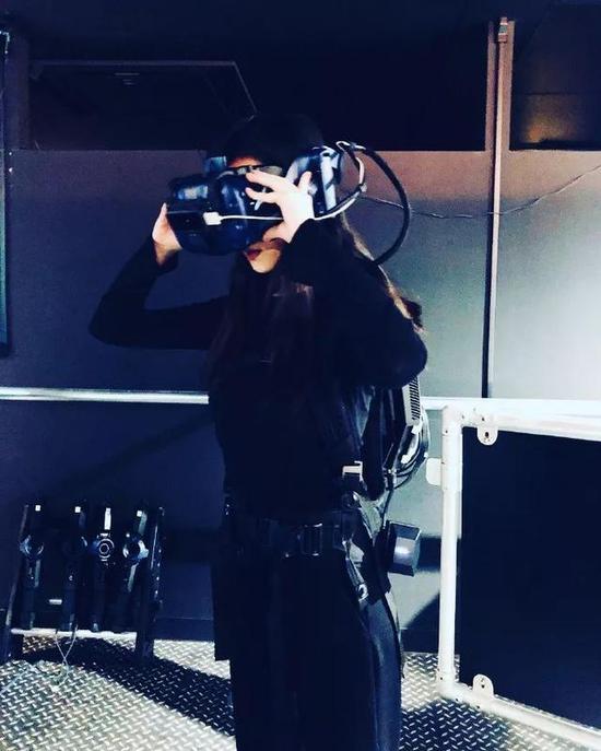 如果你喜欢酷酷的风格,一定不能错过VR体验馆,未来感满分,还好拍又好玩~