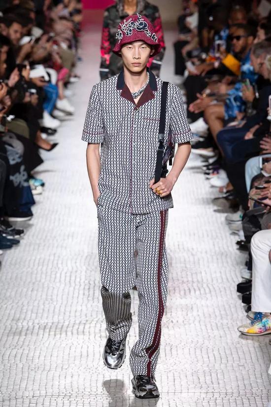 Valentino Spring 2019 Menswear Fashion Show