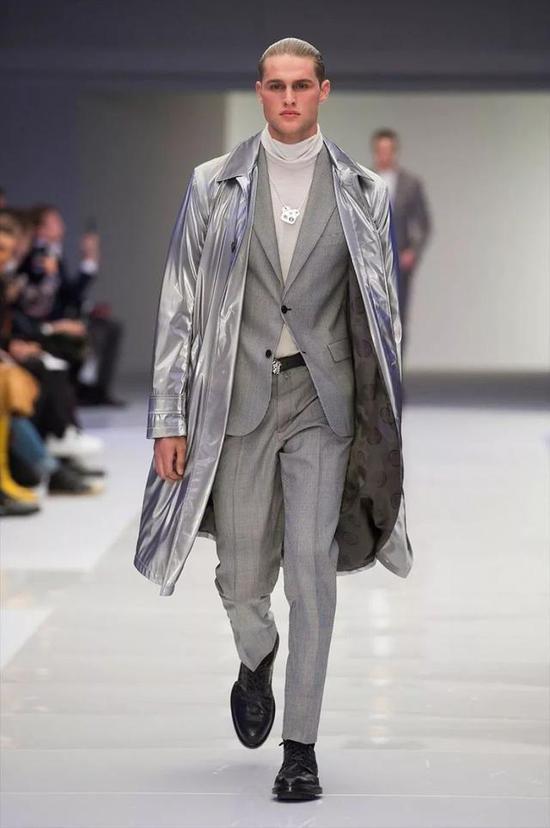 灰色男装为什么会高级?