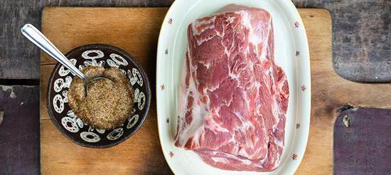 肥瘦相间的猪肩颈肉
