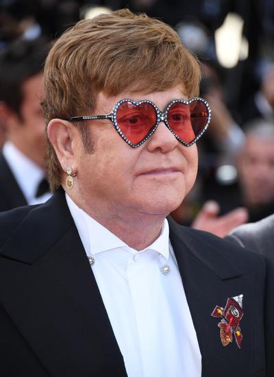 埃尔顿·约翰(Elton John)佩戴Chopard萧邦珠宝