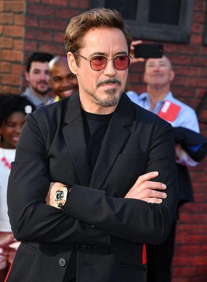 小罗伯特·唐尼在《蜘蛛侠1》的首映礼上佩戴Urwerk腕表