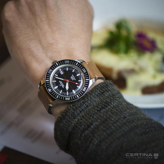 雪铁纳DS PH200米复刻自动腕表 佩戴效果