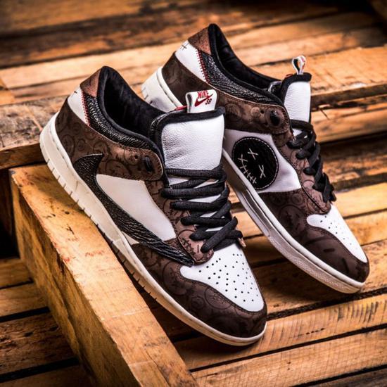 BespokeIND 客制 Travis Scott × Nike S</div></div><div class=