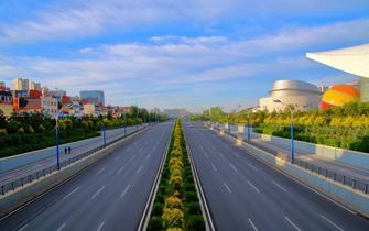 高起点规划高标准建设 努力打造国家级新区