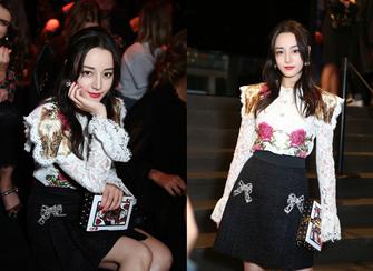 迪丽热巴镂空衬衫配黑短裙甜美可人