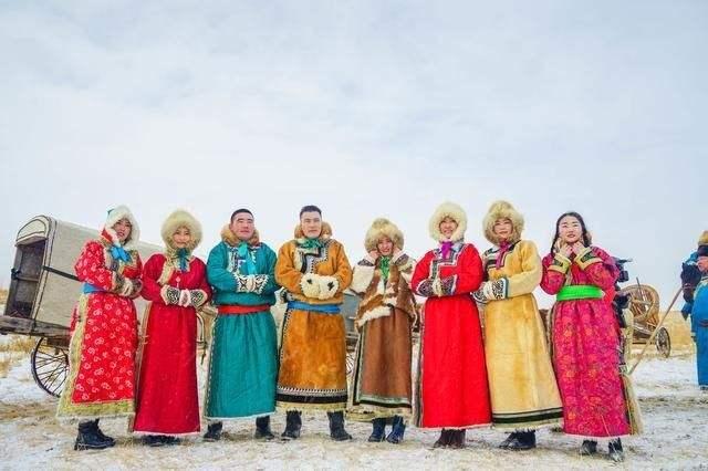 内蒙古优秀民族服装服饰将赴法国巴黎展演