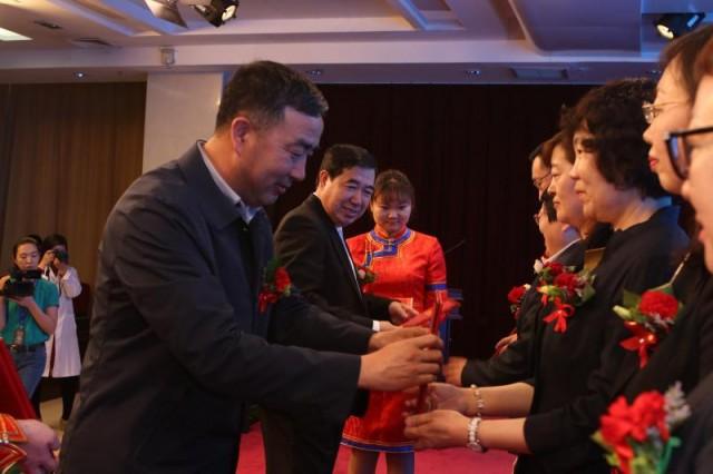 内蒙古自治区人民医院500万重奖科技人员