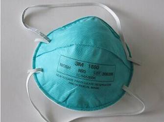 结核病防治医院给医护人员发放过期口罩?