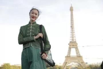 蒙古袍登上巴黎时装周