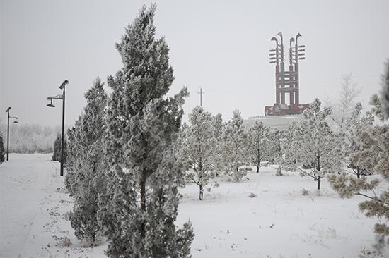爱上内蒙古   草原小城雾凇美凝霜挂雪 玉树琼枝