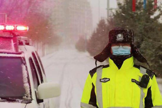 """呼伦贝尔市:一样的风雪,不一样的雪""""警"""""""