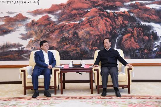 石泰峰会见正泰集团董事长南存辉