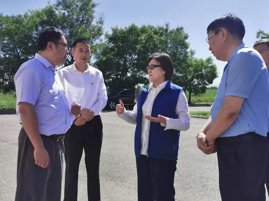 内蒙古自治区:布小林调研草原草业科技创新工作
